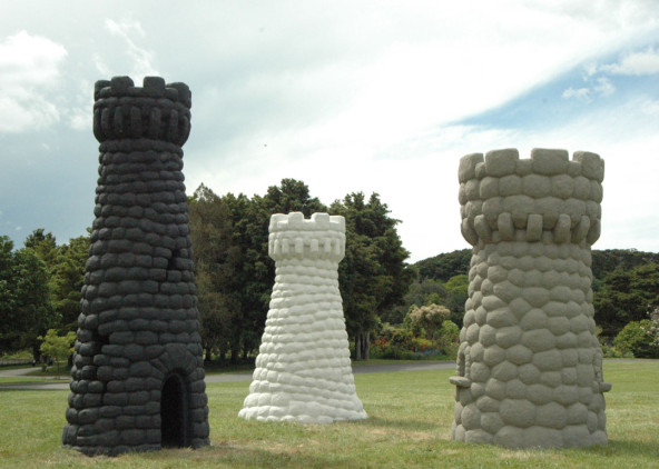 SCULPTURE IN THE GARDENS: 2014, Group exhibition  Auckland Botanic Gardens (Biannual)